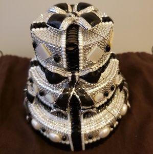 Judith Leiber tuxedo wedding cake